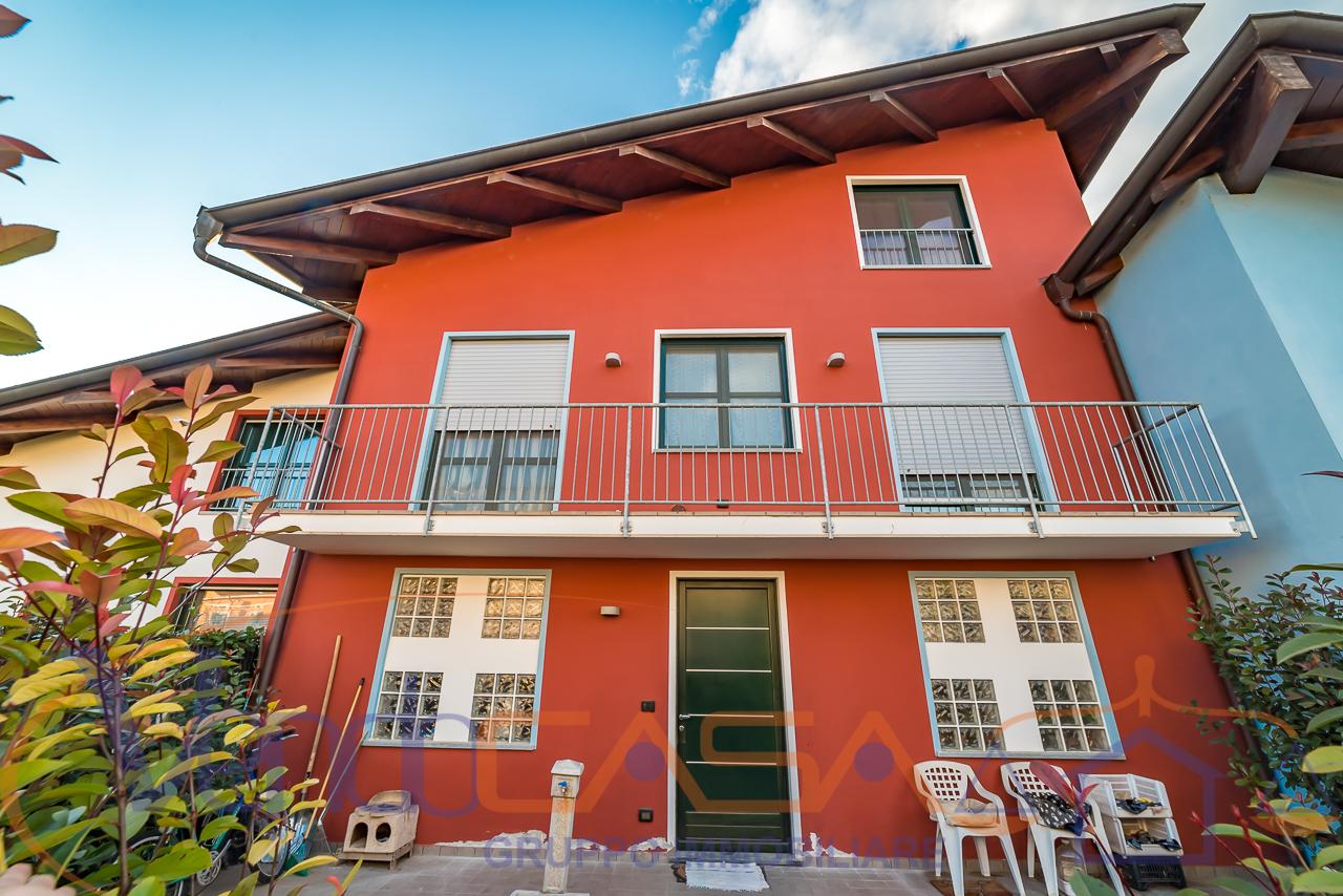 Foto 1 di Casa indipendente Cavallermaggiore