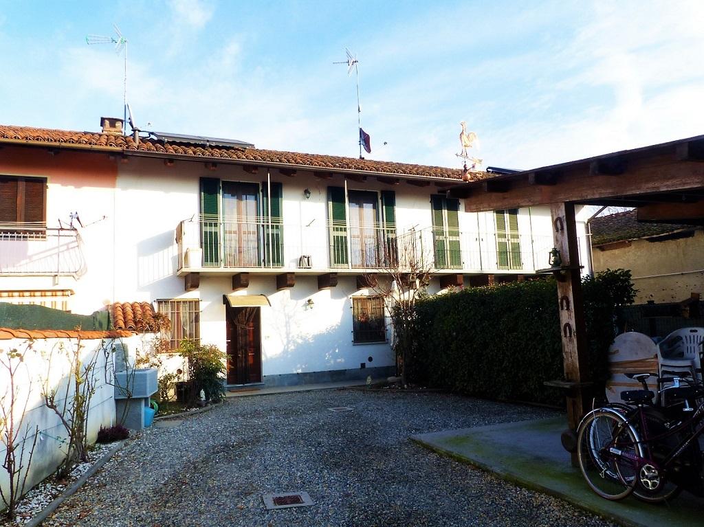 Foto 1 di Casa indipendente Cavallerleone