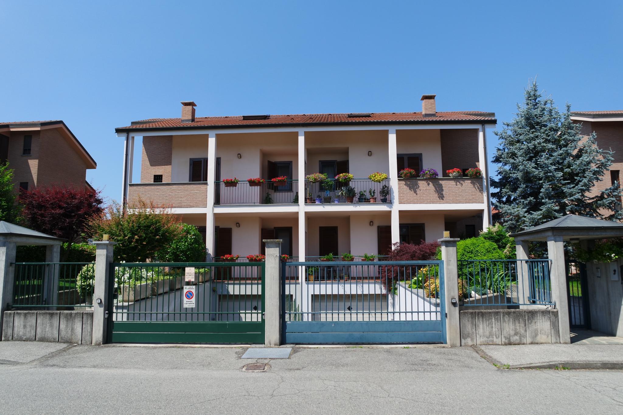 Foto 1 di Villa Bifamiliare Carmagnola