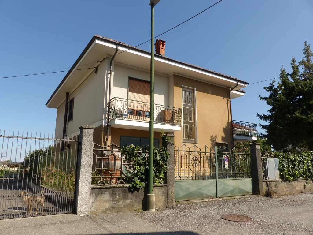Foto 1 di Casa indipendente Vigone